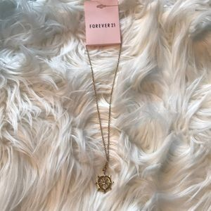 Forever 21 Pendent necklace